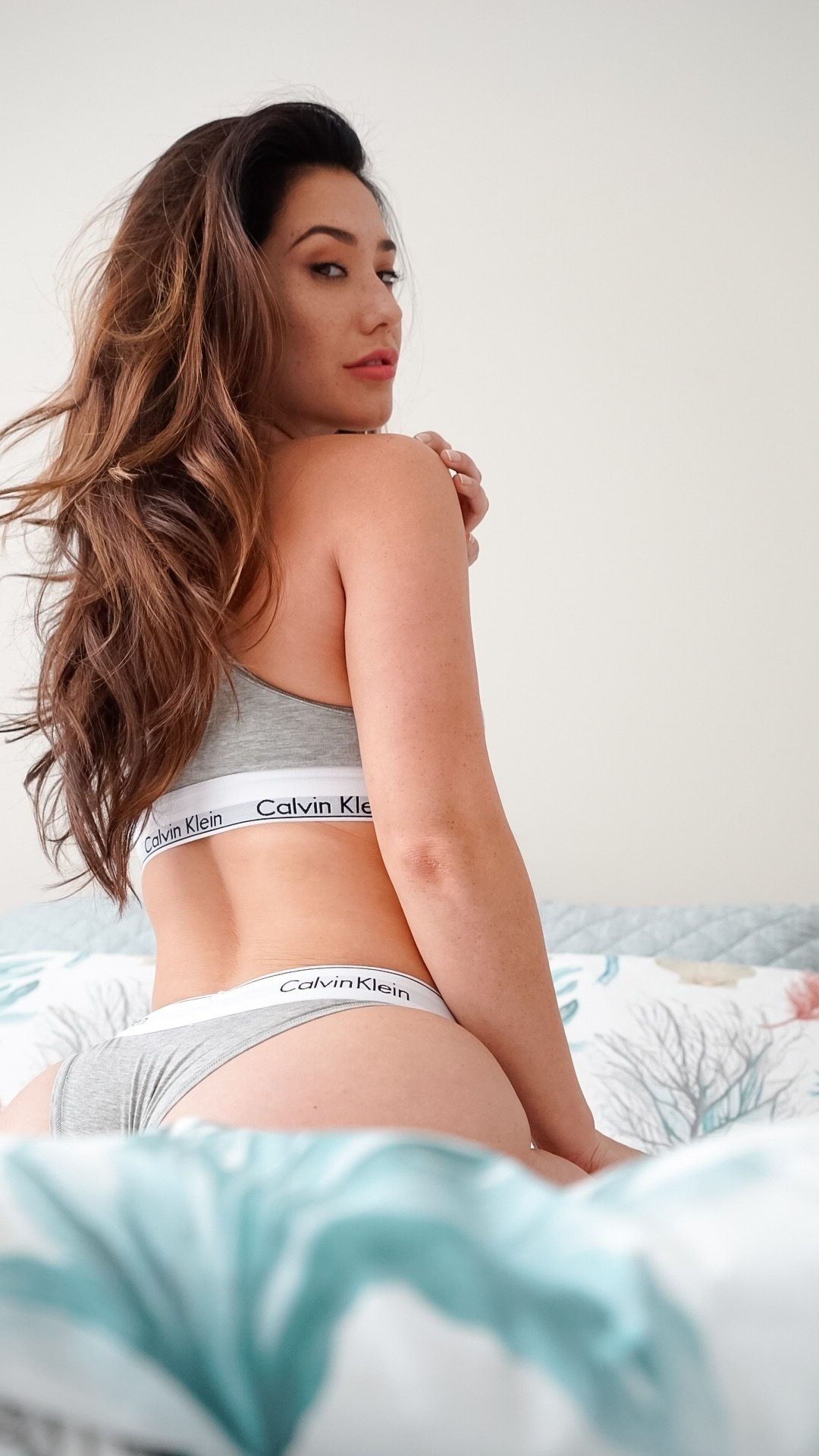 eva lovia galleries