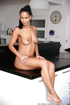 Isabella Chrystin - Nubiles Nude Gallery
