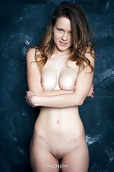 Anna Belleza - Domingo View Nude Gallery