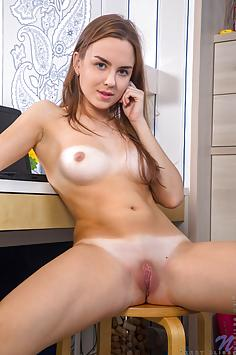 Terry Bliss - Nubiles Nude Gallery