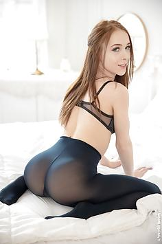 Blue-eyed hottie Nata Ocean - Wow Girls Nude Gallery