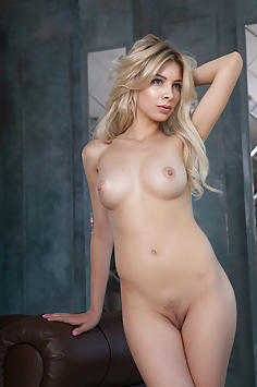 Beautiful Blonde Eva Tali - Femjoy Nude Gallery
