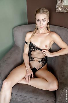 Alecia Fox - Sex Appeal - Wow Girls Nude Gallery