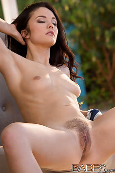 All Natural Beauty Logan Drae - Babes Nude Gallery