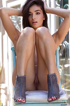 Emily Willis Strips Down to Perfection -  Digital Desire Nude Gallery