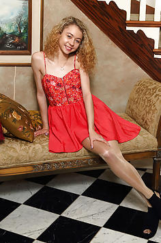 Curly and Petite Blonde Allie Addison - ALS Scan Nude Gallery