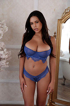 Busty Hispanic beauty Autumn Falls - MetArtX Nude Gallery