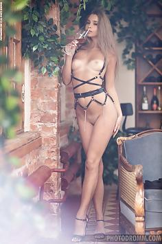Leggy Liza Vaiss in the wine cellar - Photodromm Nude Gallery